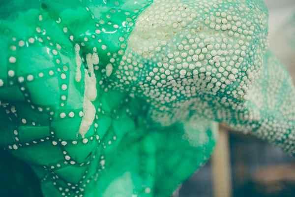Tatiana Wolska, Untitled, 2014, plastic bottles, detail. The sculpture was presented at the exhibition at Salon de Montrouge © Tatiana Wolska, Photograph: Karolina Kodlubaj