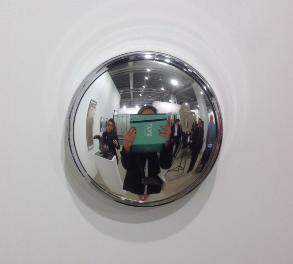 Alicja Kwade, Watch, 2009, wall clock, metal, mirrored glass, mechanic clockwork, 30 cm, Konig Galerie, photo Contemporary Lynx