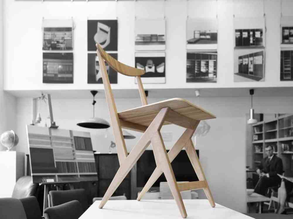 Kowalski's newly produced chair; source: nowymodel.org