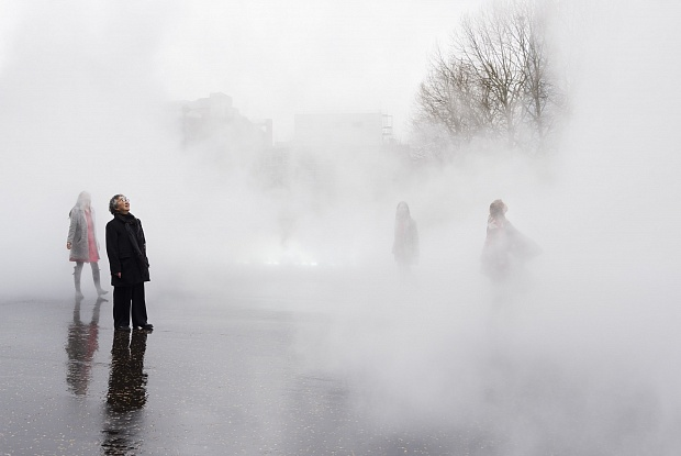 The Japanese artist Fujiko Nakaya with her new commission London Fog 2017 outside the Tate Modern, Photo Tate Photography