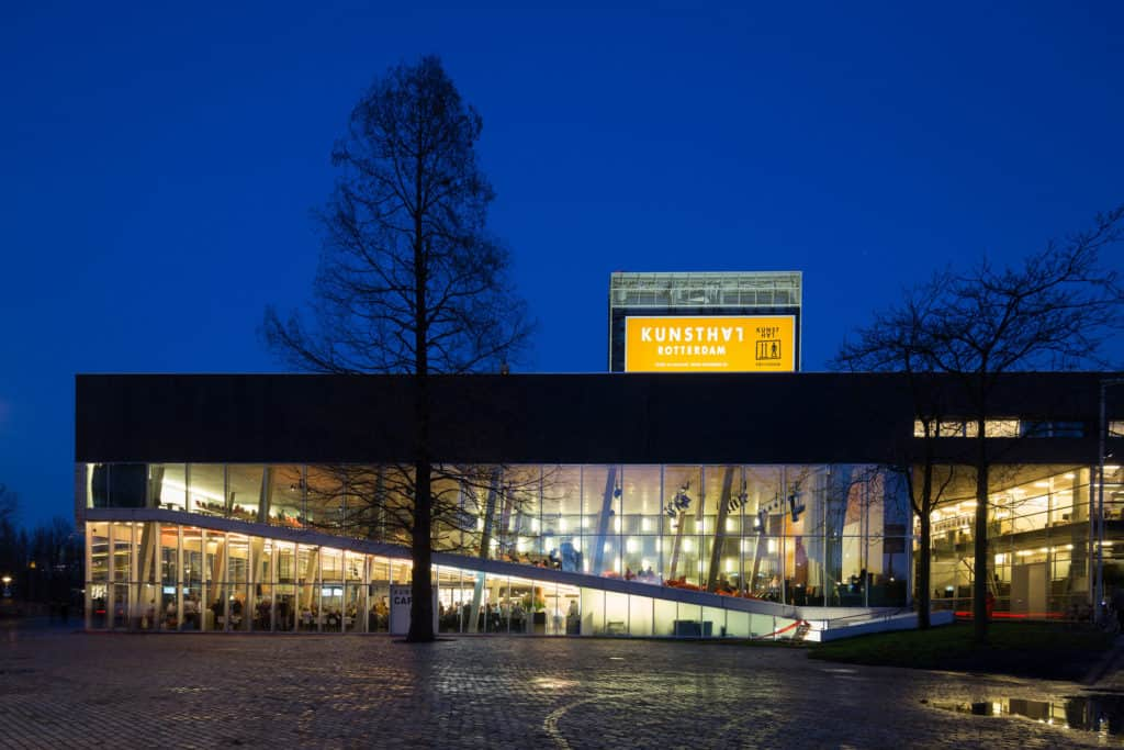 Kunsthal Rotterdam by night, Photo: Ossip van Duivenbode, Courtest Kunsthal Rotterdam.