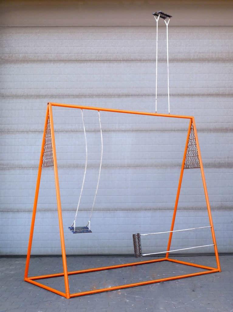 Anna Raczyńska, Some you win, some you lose, 2015, steel, 430x260x100cm