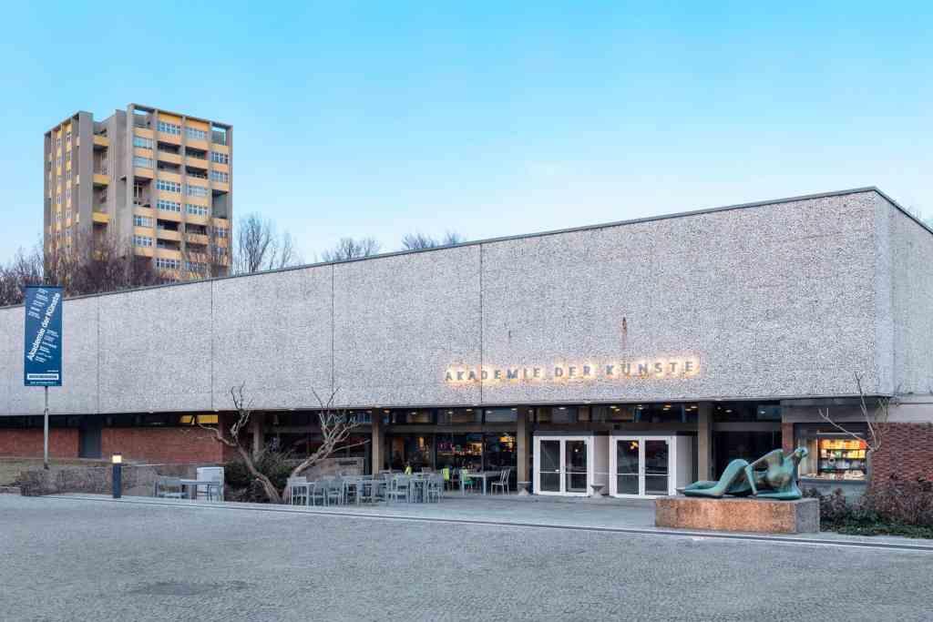 Akademie der Künste (Hanseatenweg), photo Timo Ohler