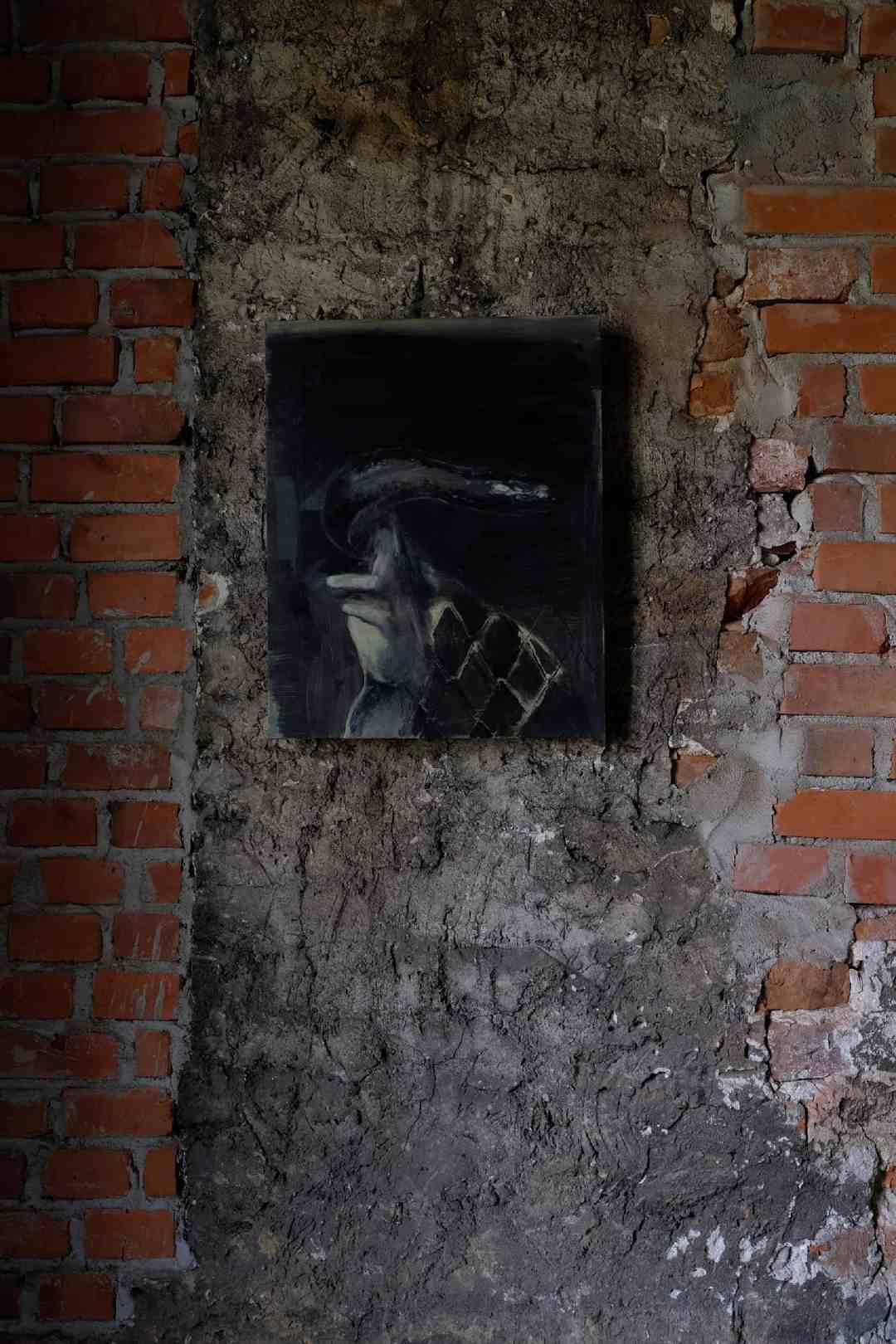 """Quincunx, 40 x 50 cm, olej na płótnie, 2016 ( widok wystawy """"Night Shift"""" w Elementarz dla Mieszkańców Miast, Kraków, 2018 )"""
