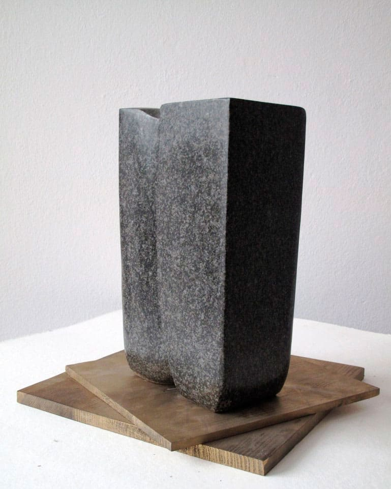 Magdalena Więcek, Dialogue with a stone (IV), 1981, marble, wooden basis, 43 x 20 x 12 cm, courtesy of Magdalena Więcek Estate