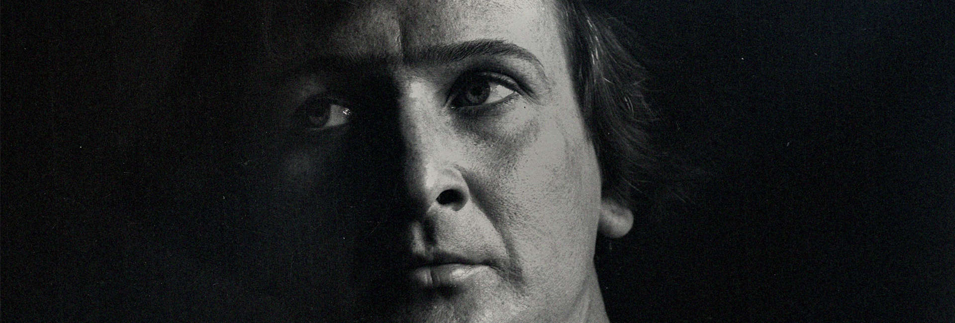 Stanisław Szukalski, portrait, courtesy Netflix Official Site detail