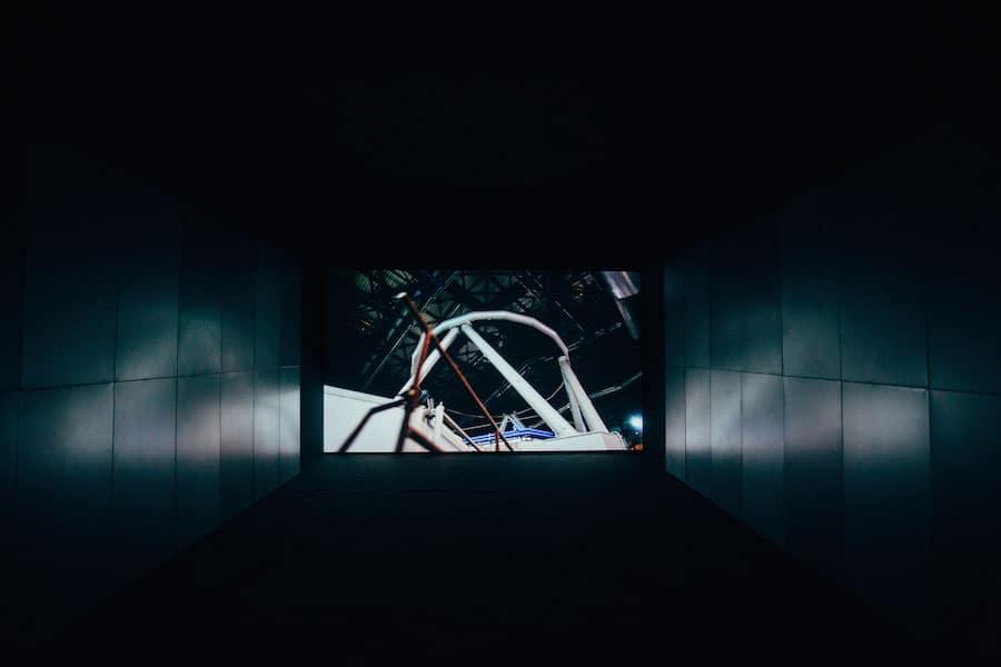 Angelika Markul, 400 milliards de planètes, 2014, courtesy: the Bunkier Sztuki Gallery, photo: FilmLove Studio