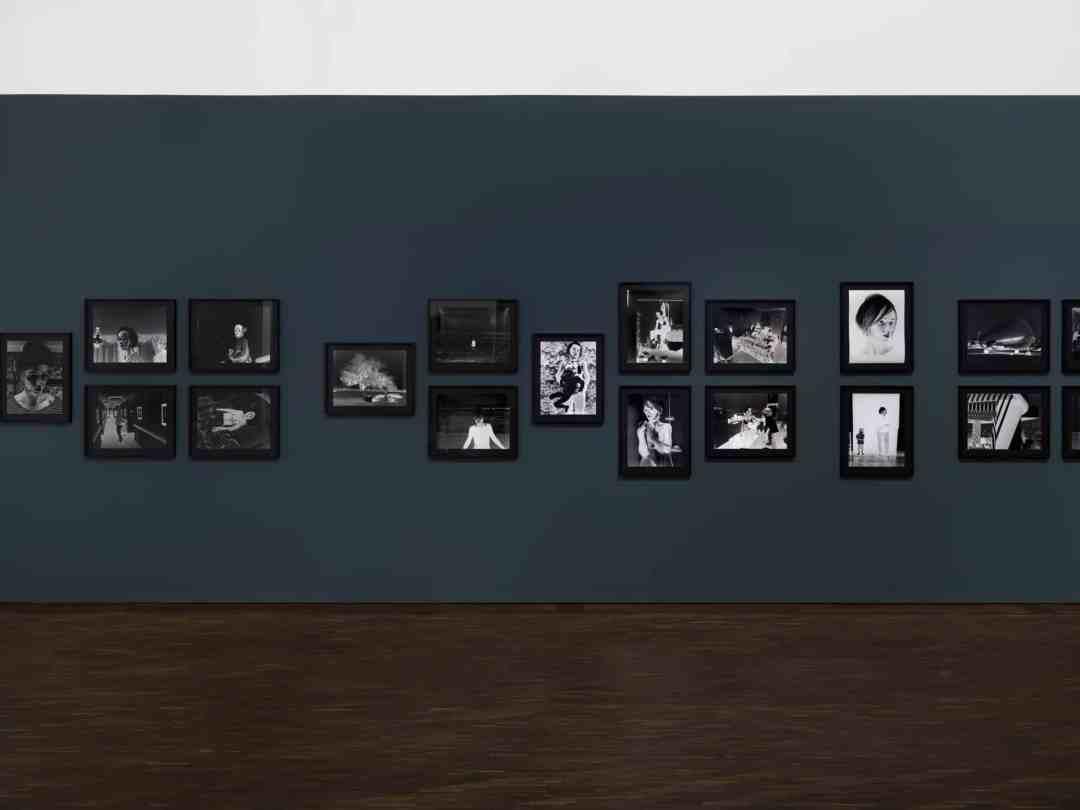 Negative Book, Aneta Grzeszykowska, Fragile Sense of Hope, me Collectors Room Berlin, 2016, Foto Bernd Borchardt
