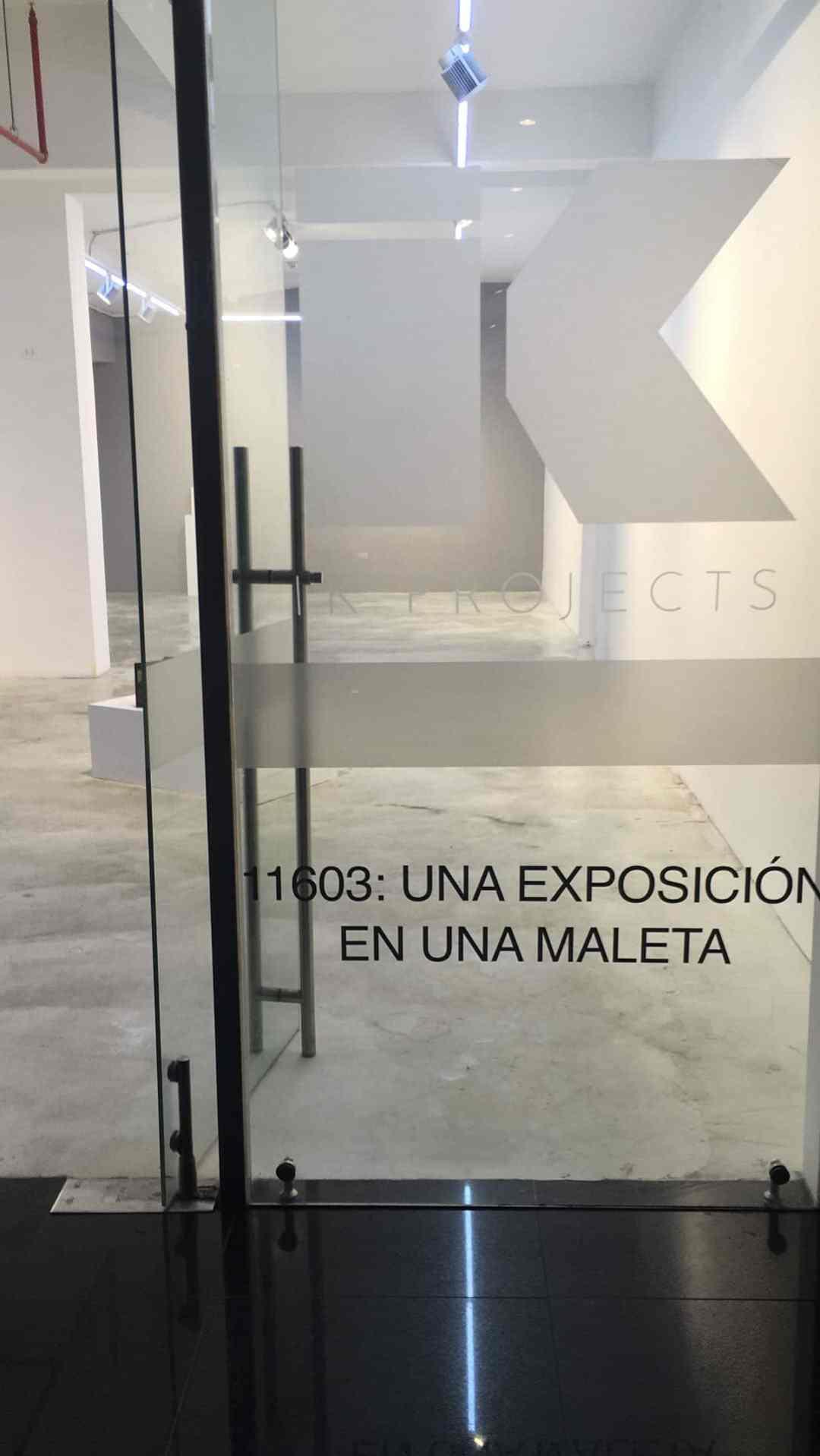 11603: Una Exposición en una Maleta, exhibition view