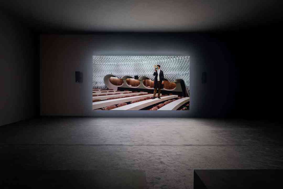 Jasmina Cibic, The Gift—Act I, 2019, video, installation view, Künstlerhaus, Halle für Kunst & Medien, Graz, photo: Mathias Völzke