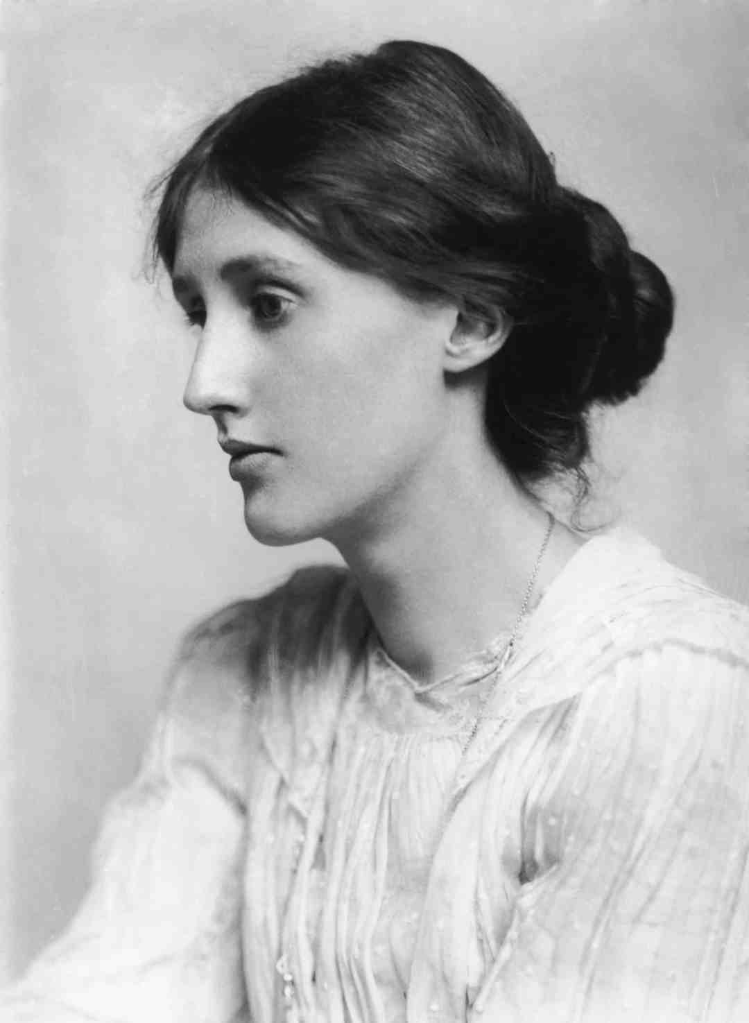 Virginia Woolf (1882 - 1941), 1902. (Photo by George C. Beresford/Hulton Archive/Getty Images)