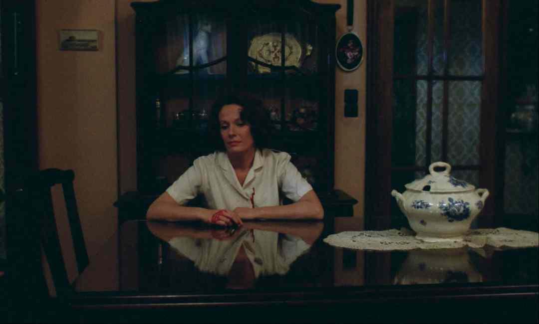 Chantal Akerman, Woman sitting after killing, 2001