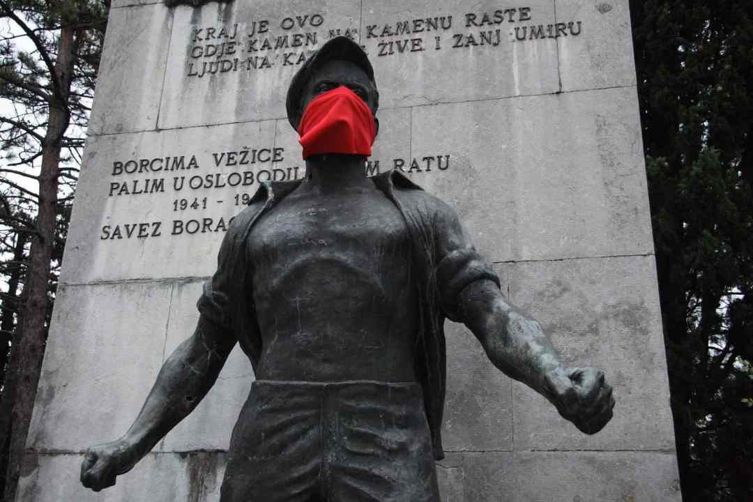 Igor Grubić, 366 Liberation Rituals, Scarves and Monuments