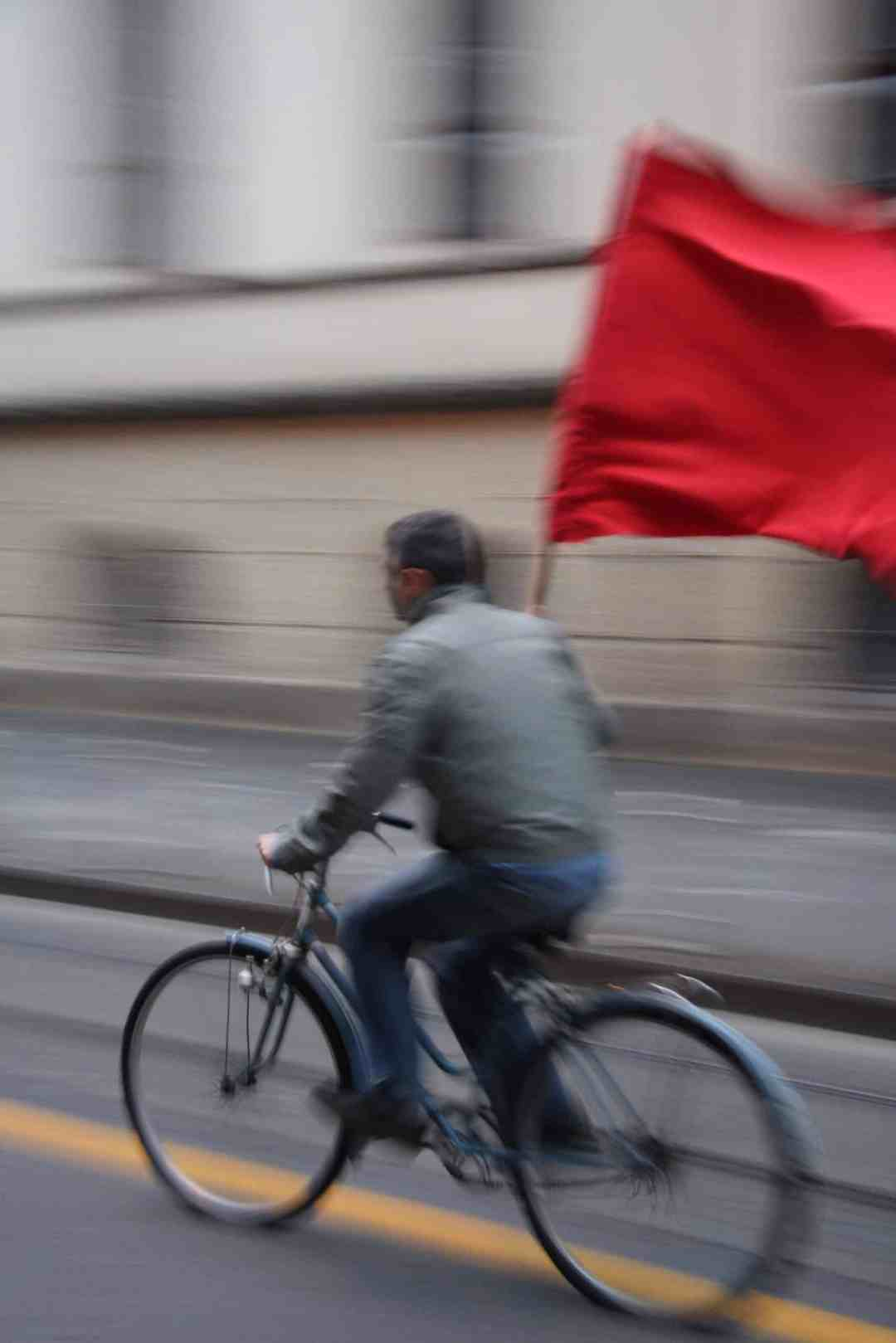 Igor Grubić, 366 Liberation Rituals, Bicycle and Flag,