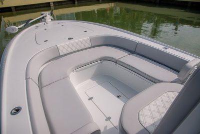 Forward Seating - Contender 25 Bay Boat