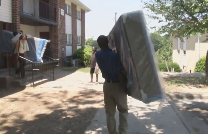 Photos Apd Mattress Firm Deliver Beds To Family