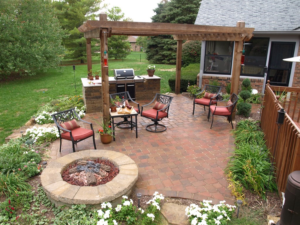 Greenleaf Landscaping Inc | Greenwood, IN 46142 | Angies List on Patio Grilling Area id=47974