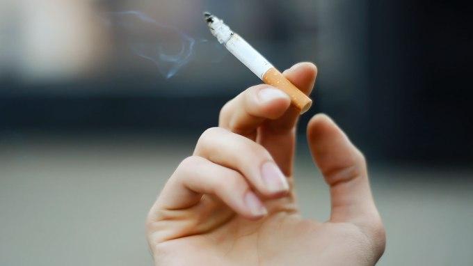 smoking.jpg (1280×720)