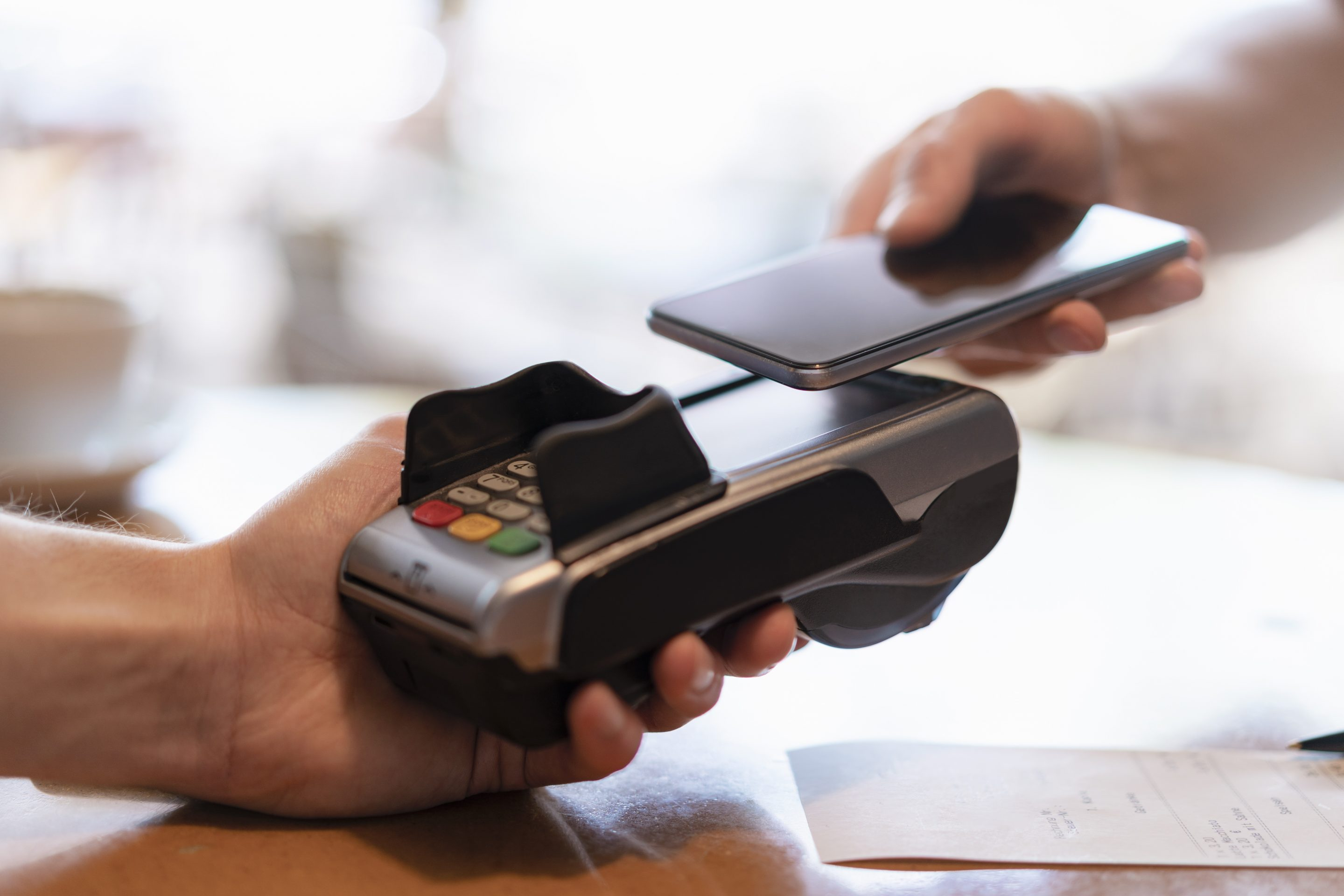 Are cashless stores and restaurants fair? New York City Council says no