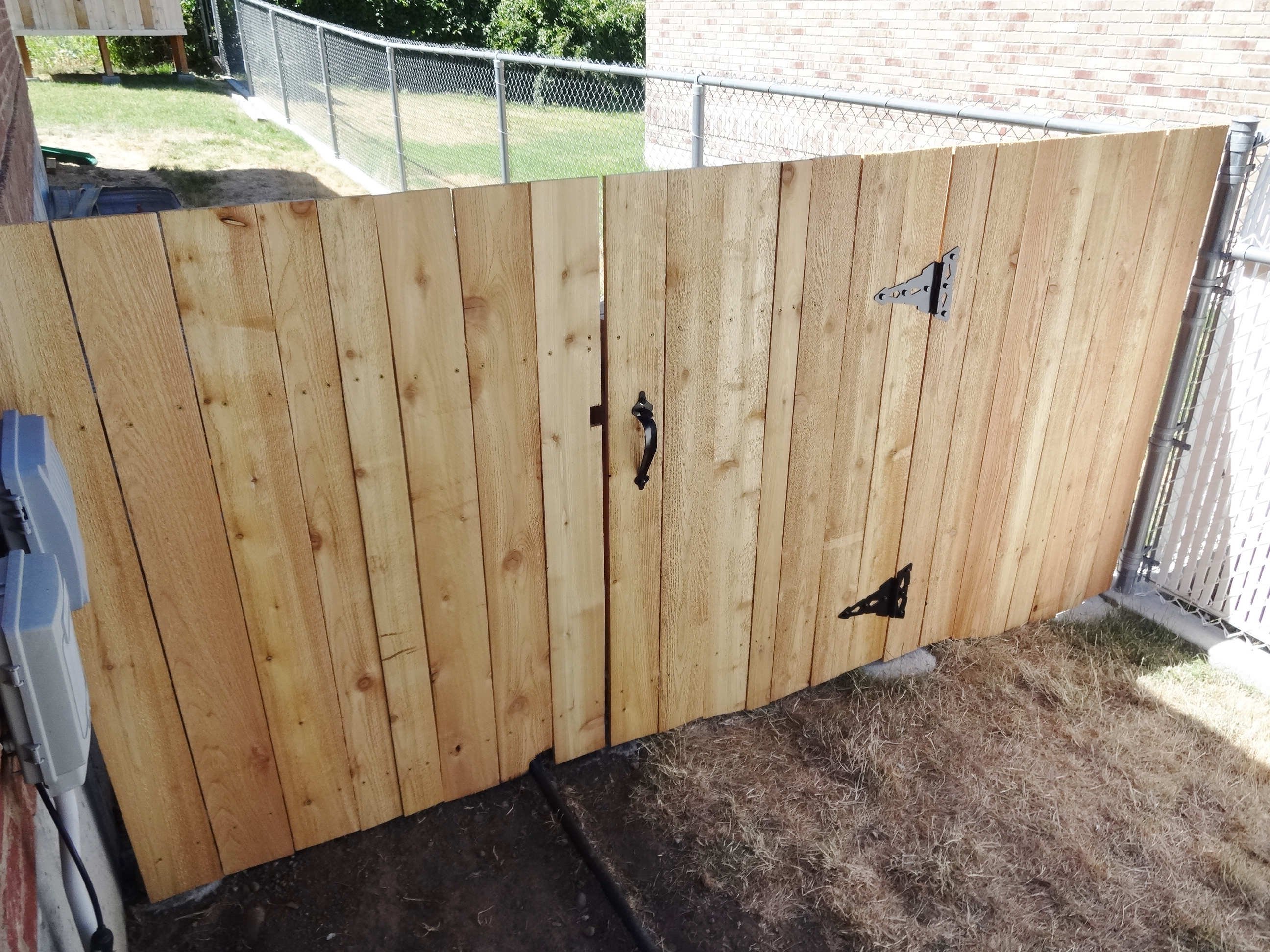 build a wooden fence and gate 14
