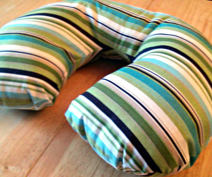diy travel pillow 6 steps with