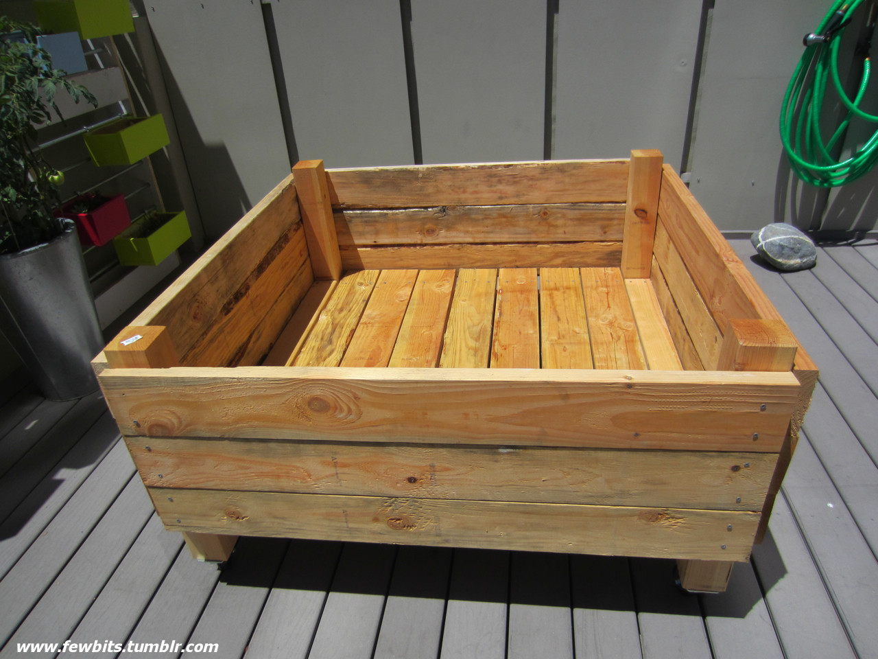 easy raised garden bed on casters for