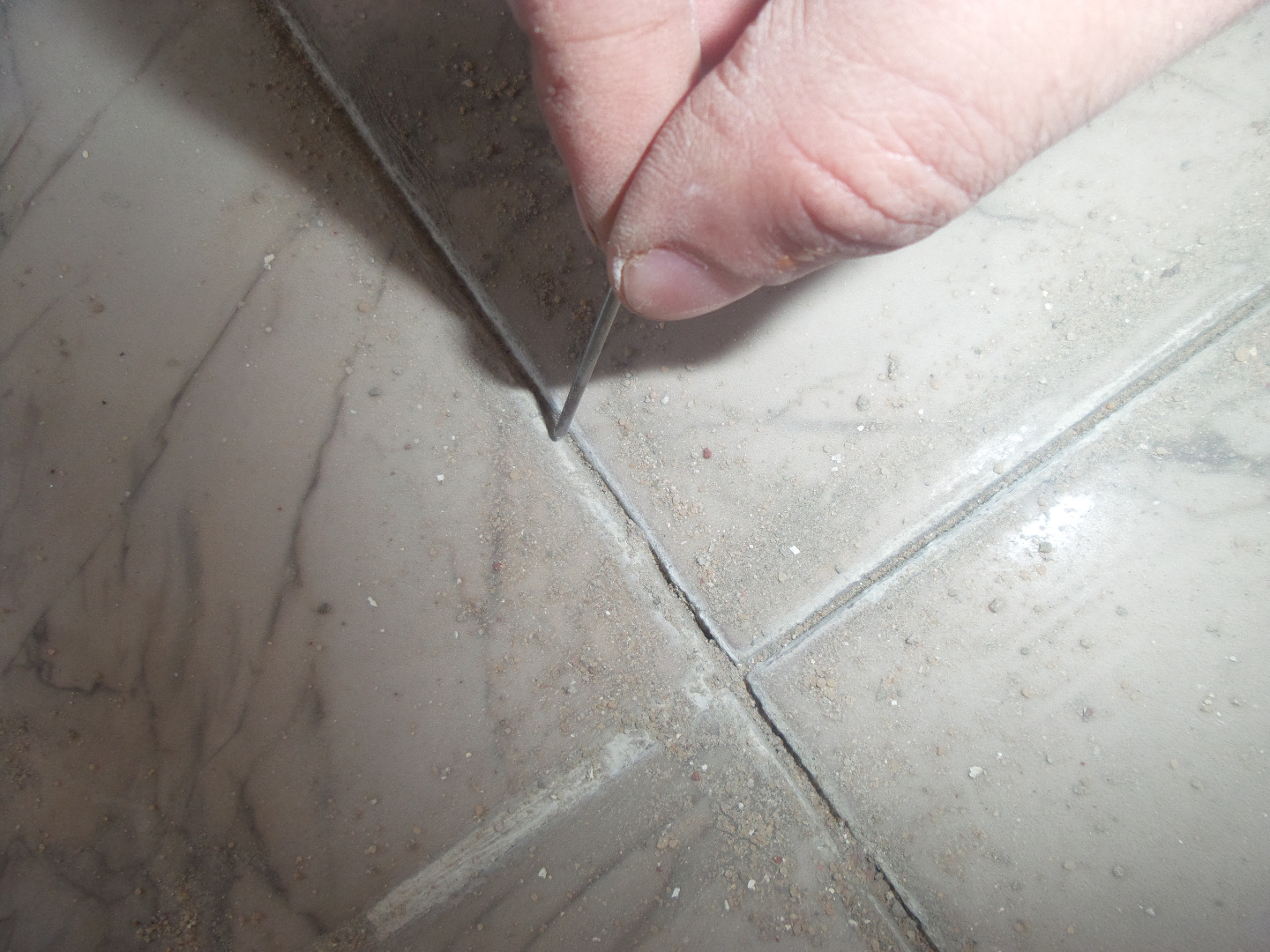 how to fix loose tiles 5 steps with
