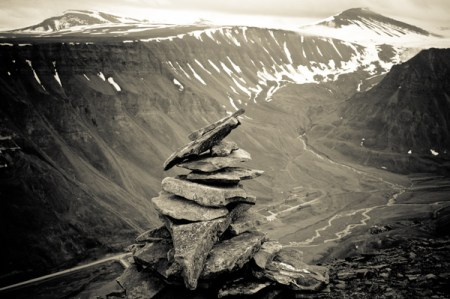Svalbard in Grayscale part 3 – black and white landscape photos from Norway by Kimmo Savolainen