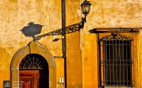 Photo blog photo: 'There should be a light over every door – Piazza del Carmine, Florence'