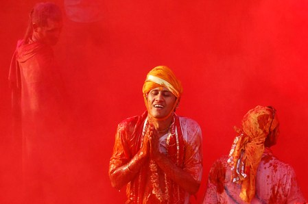 Holi: Festival of Colors – photos from India at the Big Picture