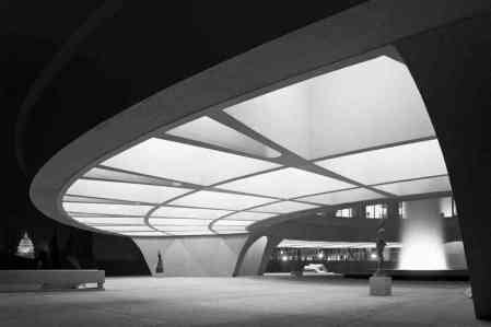 The Photographer Who Made Architects Famous : Ezra Stoller