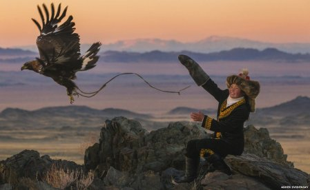Photos of a 13-year-old eagle huntress in Mongolia