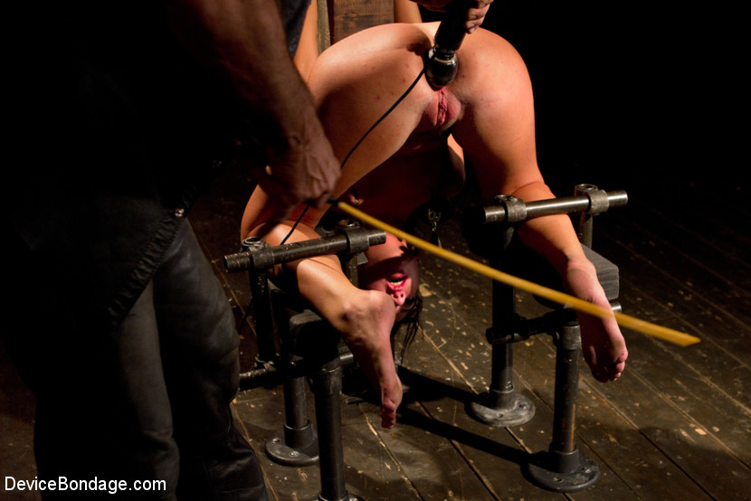 Young slut feels the wrath of inescapable devices while enduring extreme torture - submission