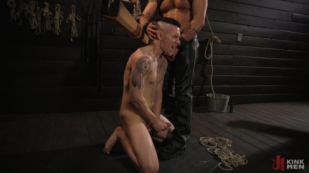 漂亮的男孩Zak Bishop受到太平洋大师的训练 - 肛门