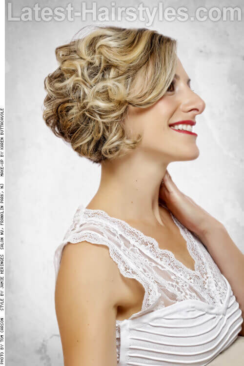 Layered Bob Hairstyle with Curls Side