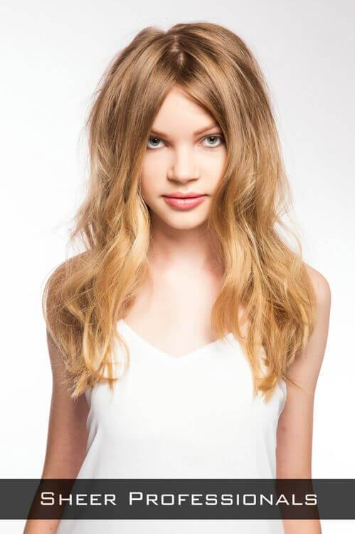 Messy Wavy Hairstyle for Party