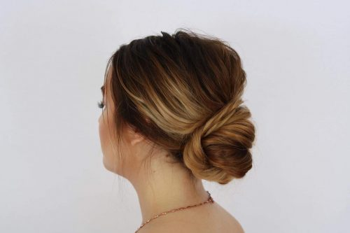 19 Simple Updos That Are Super Cute Amp Easy 2019 Trends