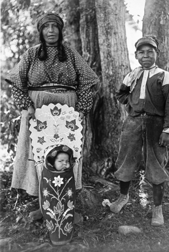 Salish Woman and Children