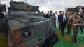 صنعها الجيش التونسي: سعيّد يطّلع على عربة مصفّحة مضادة للألغام
