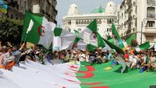 الرئيس الجزائري يعفو عن 101 من المسجونين على خلفية الحراك