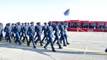مدرسة الطيران: وزير الدفاع يشرف على حفل تخرج دورة