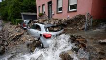 عشرات القتلى والمفقودين إثر عواصف تجتاح دولا أوروبية