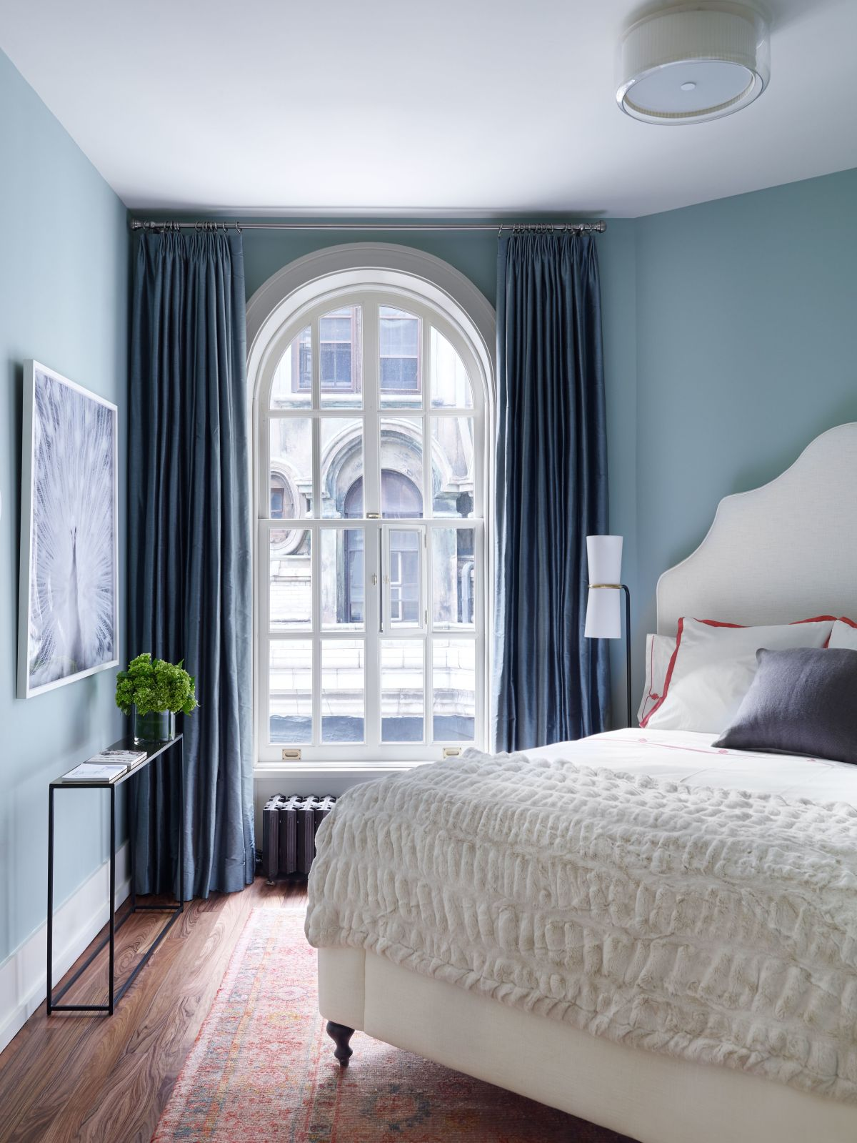 9 tricks interior decorators won t tell you kukun on master bedroom wall color id=21486