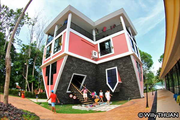 Phuket Upside Down House – Baan Teelanka