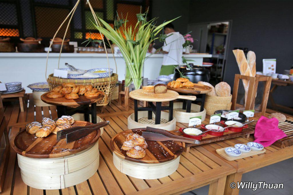 nook-dee-hotel-breakfast