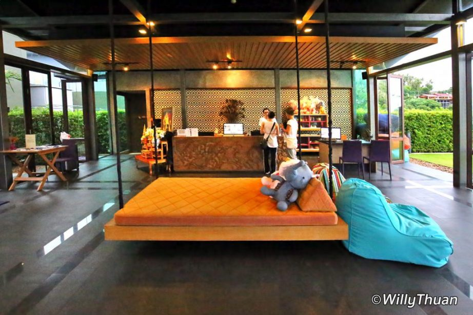 Nook Dee Hotel Reception Lobby