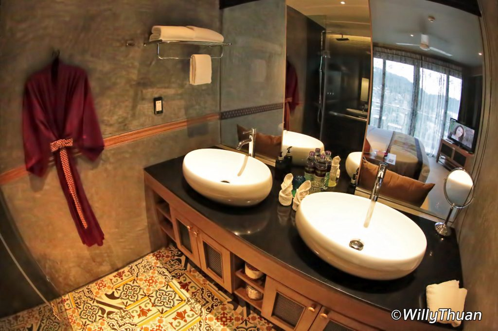 nook-dee-hotel-bathroom