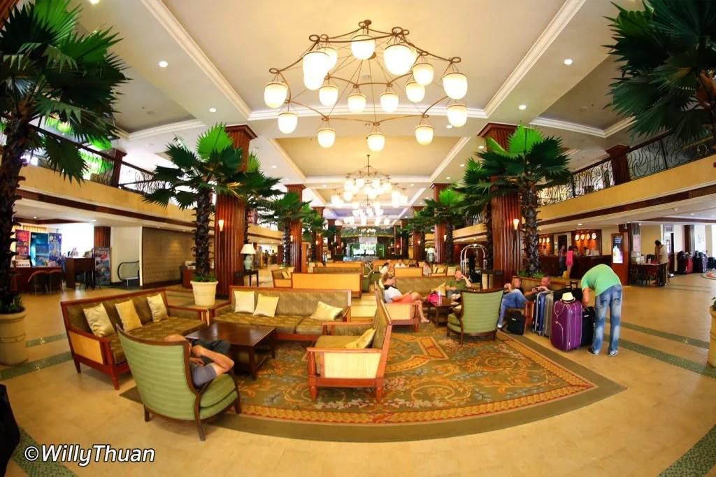 Phuket Graceland Resort Lobby