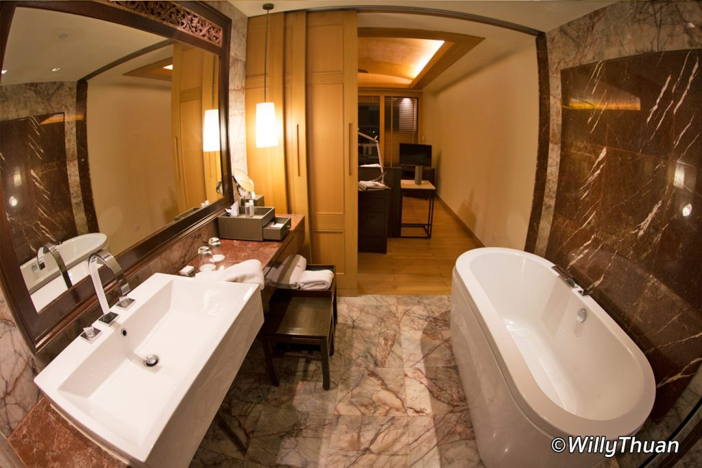 Deluxe Ocean Facing Bathroom at Centara Grand Beach Resort