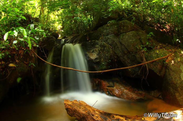 kathu-waterfall-1